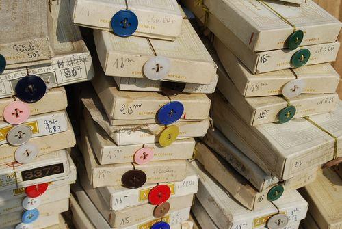 Kempton park antique ribbons and trims buttons