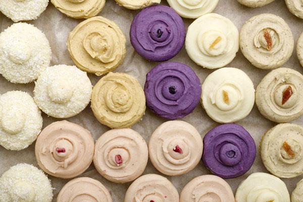 Violet cakes